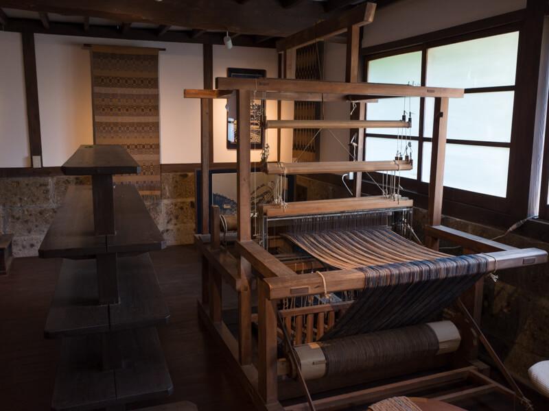 日下田藍染工房の織機