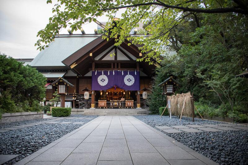 朝寒お参り – 閑寂の東京大神宮