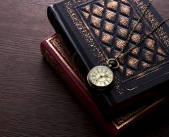 books_and_clock